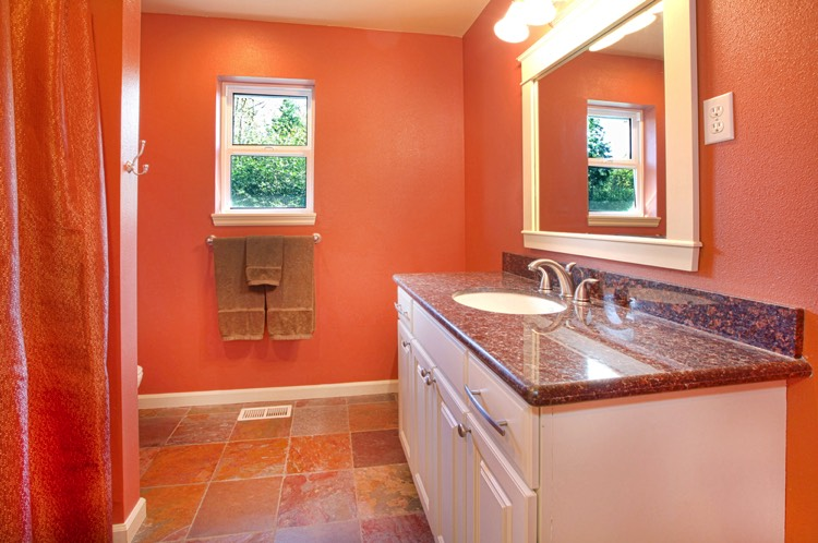 Stunning salle de bain orange et blanc contemporary for Salle bain orange
