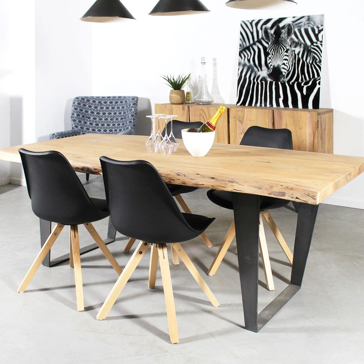 table industrielle 30 mod les exceptionnels partir de 100 euros 2018. Black Bedroom Furniture Sets. Home Design Ideas