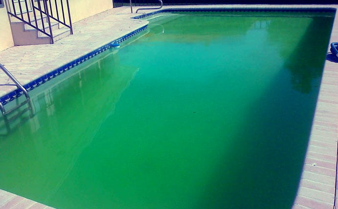entretien de la piscine comment viter le calcaire et les. Black Bedroom Furniture Sets. Home Design Ideas