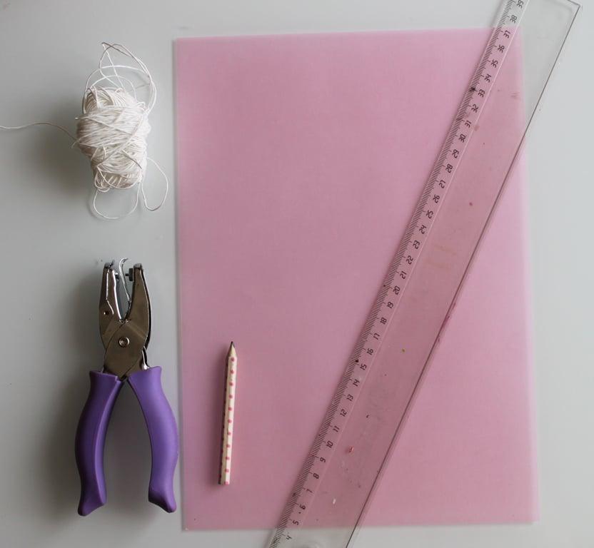 matériel nécessaire pour fabriquer un lampion en papier