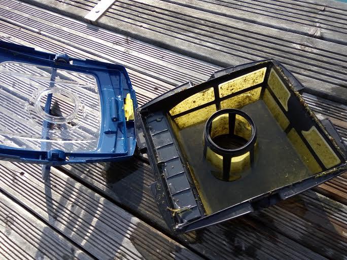 Nettoyage des filtres d'un robot de piscine