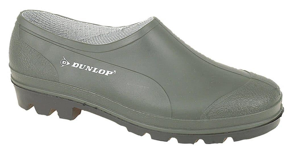 Une chaussure de jardin en caoutchouc pour jardiner sans se blesser.